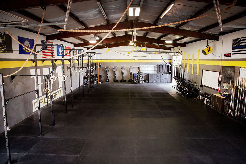 wide-angle photo of the spacious facilities at CrossFit 171